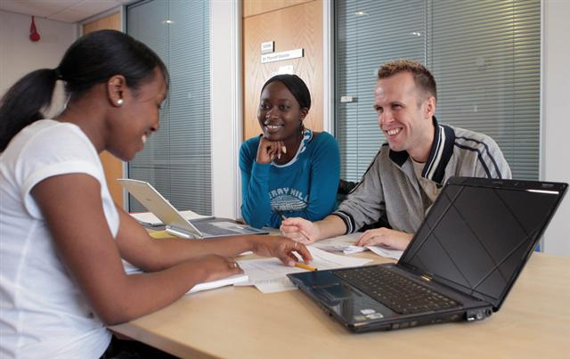 Tips To Make Some Pocket Money If You Are An International Student